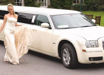 white-wedding-limo