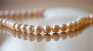 How-to-Buy-a-Pearl-Necklace
